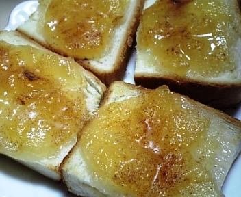 リンゴジャムトースト