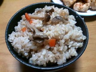 麺つゆで簡単!きのこの炊き込みご飯